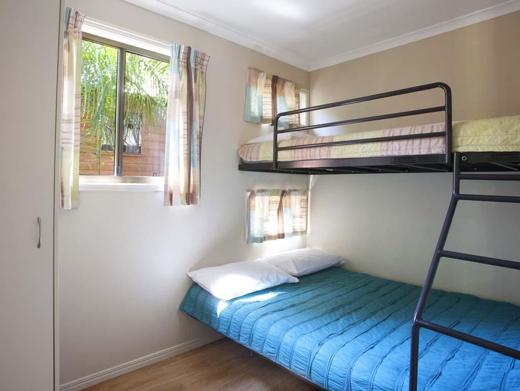 2 bedroom villas for Cabins 1770
